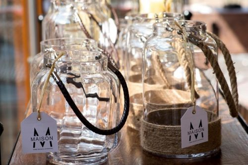 Beauty glass with brown ropes