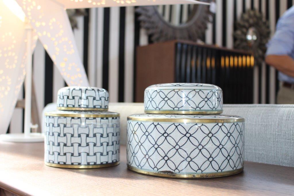 Ceramic decorative boxes