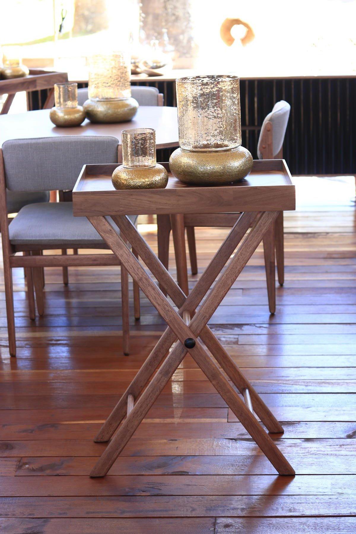 Harmonize high tray table