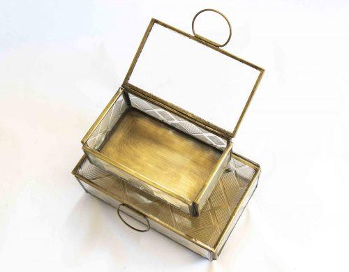 Box gold glass