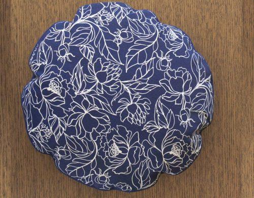 Cushion blue cotton round